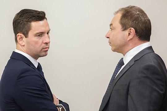 Шамил Хуснутдинов (справа)рассказал, что клуб сейчас работает над организационными вопросами, и не рискнул назвать возможную дату матча под открытым небом