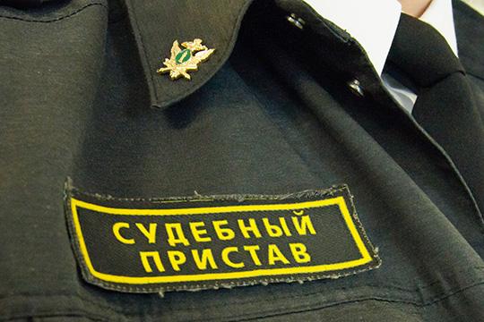 Как стало известно сослов потерпевшего Федосова, подкрепленных документами, всентябре приставы получили собственное уголовное дело, которое будет рассматриваться параллельн