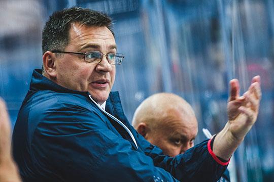 «Нефтехимик» уволил Андрея Назарова. Клуб опоздал наполгода