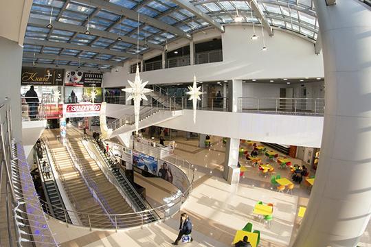 Комплекс«Омега»имеет четыре этажа общей площадью 38000 кв.м. Проходимость на 1-м этаже доходит до22 тысяч человек вдень