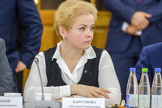 Сотрудничает соследствием идаетпоказания наМингазова гендиректор холдинга«Агросила»СветланаБарсукова, которая поделу проходит потерпевшей