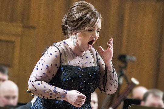 Нынешний фестиваль первый, на котором казанская опера уже не может похвастать, что ее солистка — настоящая оперная дива Альбина Шагимуратова,