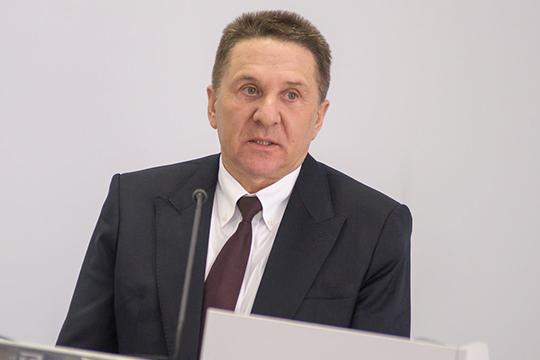 Тальгат Тагирзяновобозначил, что минсельхоз ежегодно закупает техники на5-6 миллиардов рублей