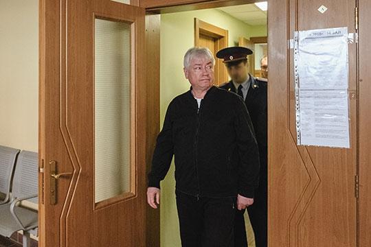 Экс-глава Татфондбанка Роберт Мусин отныне обязан читать не менее 1 тома материалов уголовного дела в день