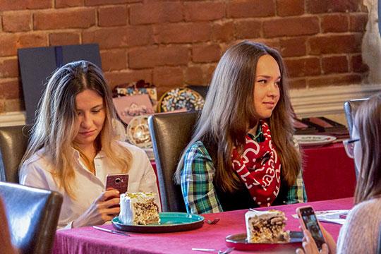 Еще одной новостью презентации стала демонстрация гастрономического бренда столицы — торта «Казань»