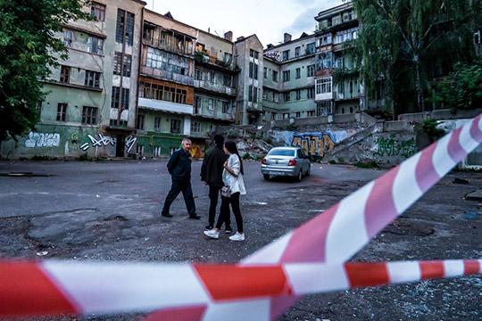 Принципиальное решение осохранении иреставрации Мергасовского дома принято. Расчеты показывают, что это потребует колоссальных финансовых вливаний
