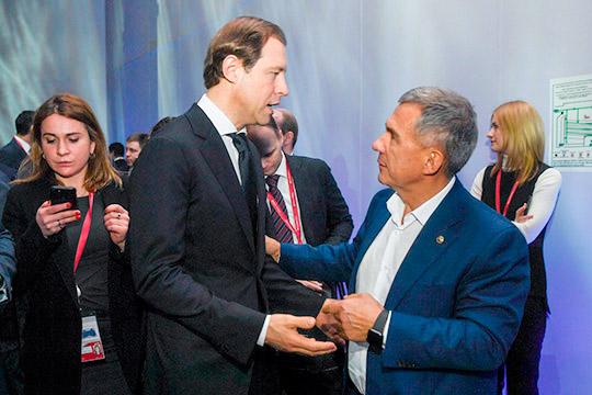Рустам Минниханов примет участие в международной промышленной выставке «Иннопром» в Екатеринбурге. Там он встретится с министром промышленности и торговли РФ Денисом Мантуровым