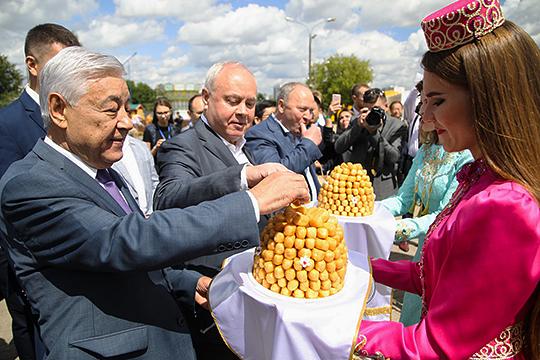 250 тысяч людей, Мухаметшин против горшка, деревня от Магдеева и воспоминания о банкете