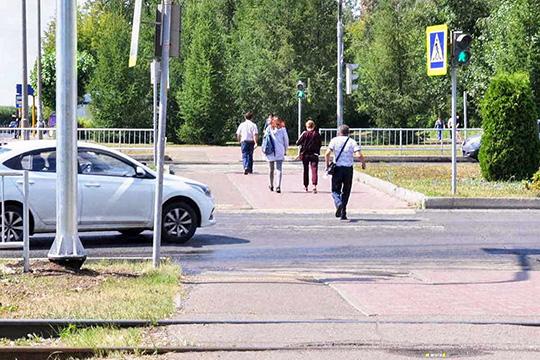 Надвух перекрестках— улицы Беляева спроспектами Мира иСююмбике— исчезли дополнительные секции светофора,которые выделяли вотдельный поток автомобили, поворачивающие направо