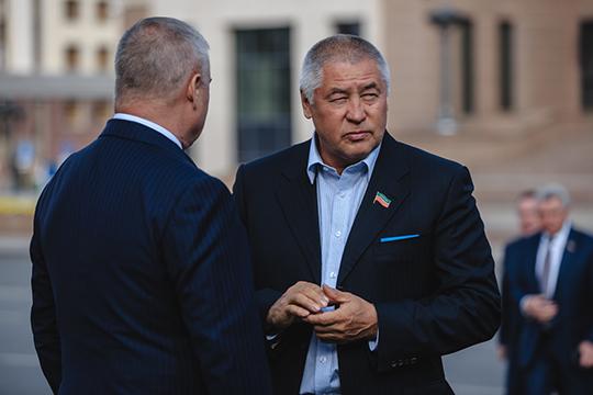 Фоат Комаров полагает, что вполне возможны оба проекта, но только при одном условии — что «Меридиан» будут строить на частные деньги