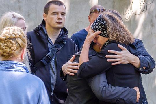 «Пусть тебе там будет лучше, чем здесь»: вЧелнах прощаются сжертвами ДТП вБашкортостане