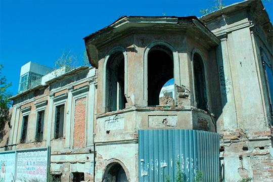 «В Свердловской области татар меньше в 7-8 раз, чем в Башкортостане, но они смогли, изыскав средства, начать восстановление находящегося рядом исторического здания татаро-башкирского театра»