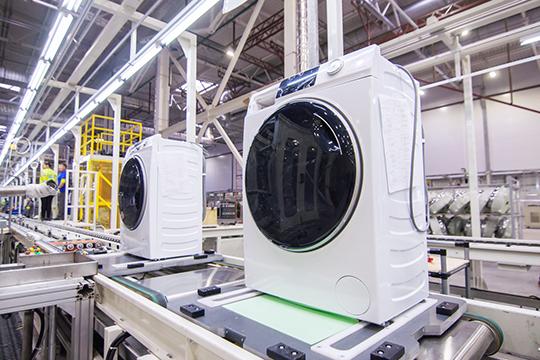 Как отметил господин Гуйвэй, продажи стиральных машин Haier вРоссии запоследние три года выросли в7 раз, поэтому потенциальная потребность вмиллионе штук однозначно существует