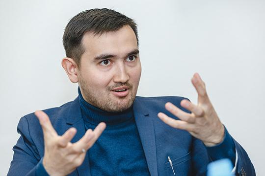 «Ядро размышлений Бустанова (на фото) составляет противопоставление старого — «досоветского» проекта татарской нации, советскому проекту»