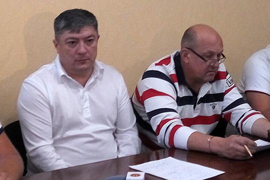 Роберт Гилязов (слева): «Проезд одного пассажира оплачивается нам в среднем в 22 рубля, не 27 рублей» (на фото — с Владимиром Капитоновым)