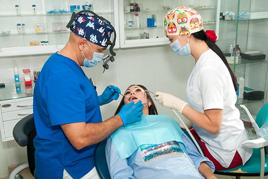 Хорошо жевать, внятно говорить, красиво улыбаться – козыри имплантации!!!