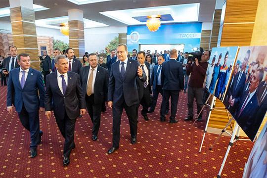 Традиционноприем отимени президента республики Татарстан Рустама Миннихановабыл организован наплощадке ГТРК«Корстоне», всего было приглашено около 700 человек