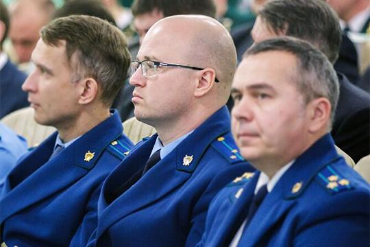 У Зиганшина арестовали дом, Каримов вплюсе отобысков, аоруженосец Нафикова едет вМоскву