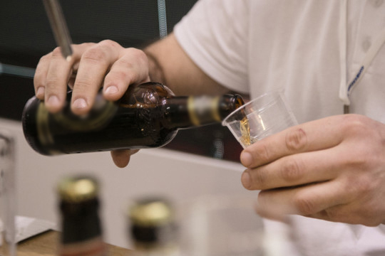 «Даже если хотябы 1 или 2 человека боясь потерять работу перестанут дома глушить пиво литрами каждый вечер, томожно сказать владелец завода гарантированно врай попадет»,— считаетАлмаз Гирфанов