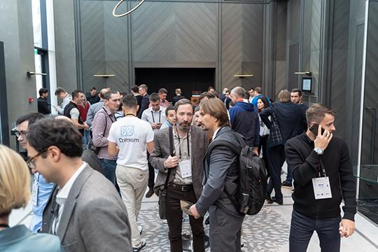 НаFixConf-2019 приехало около 200 первых лиц итоп-менеджеров крупнейших интернет-компаний, втом числе Mail.ru group, вКонтакте, «Яндекс», «Газпром медиа», AliExpress, Qiwi и другие