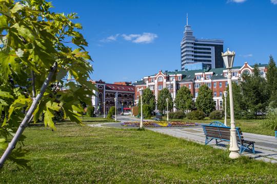 «Та Казань, которая была моя, ее уже почти нет. Мы жили в центре на улице Айдинова, единственный дом остался с тех времен, все остальное вокруг снесли»