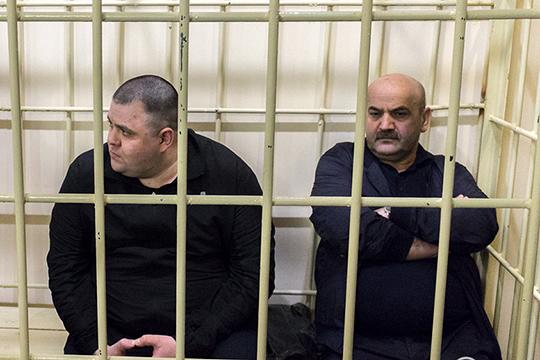 Гусейн Гахраманов (слева) заявил, что «нигде и ни с кем в предварительный сговор не вступал». Гюльгусейн Наджафов (справа) выразил надежду, что приговор ВС РТ в отношении него будет справедливым