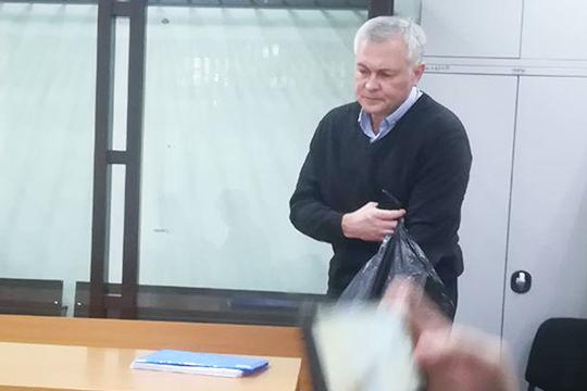 Сам Федоров отказывается комментировать любую информацию, как-то связанную сделом, пообещав, что обязательно выскажется,— нотолько после приговора