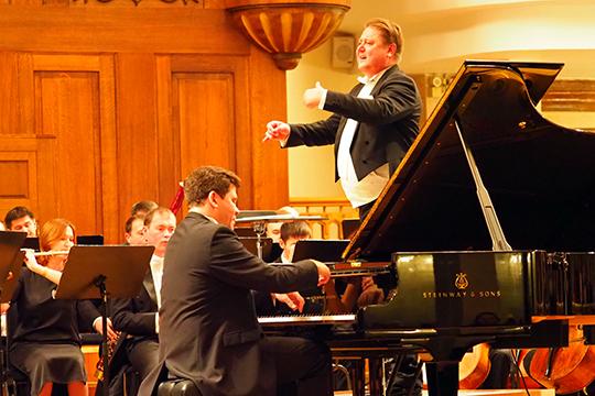 Сладковский на этот раз доверил своему другу Мацуеву самое дорогое — свой оркестр