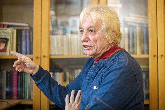 Юрий Манусов: «Все выпивают со мной, а я даже не успеваю закусить. Жена меня еле оттуда увела. Я дома на четвереньках до туалета дополз, меня тут же вывернуло. Это была моя минута славы»