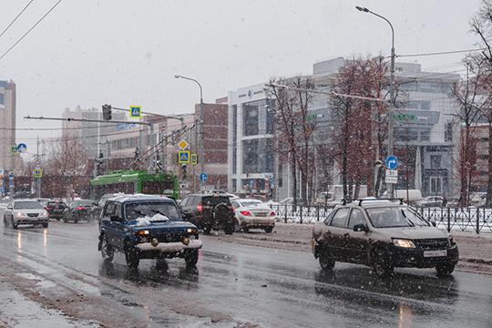 Средняя скорость движения на улице Павлюхина действительно снизится — по расчетам экспертов, с 51 до 46 км/ч.