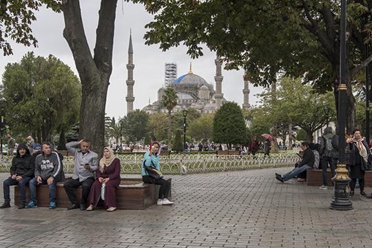 «Много пожилых людей вТурцию переезжают иживут, тысячи российских граждан покупают недвижимость внашей стране. Явообще непонимаю, зачем нужны границы ипаспорта?»