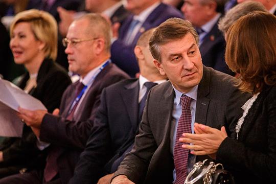 Поитогам 2019 годанаиболее эффективным представителем Татарстана вГДсталАйрат Фаррахов. За годонуспел внести восемь авторских законопроектов, ивсе они получили наивысший коэффициент