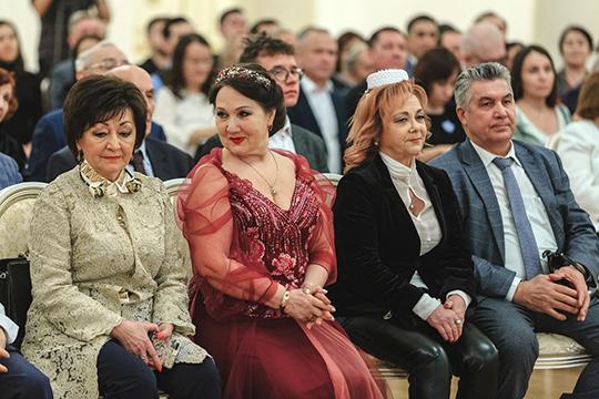 Какой должна быть татарская песня продемонстрировали в Ратуше такие мэтры, как Зиля Сунгатуллина, Венера Ганиева, Ильгам Валиев и другие