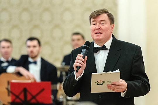 Почетных гостей на правах хозяина встречал директор общественного фонда татарской культуры им. Рашита Вагапова Рифат Фаттахов