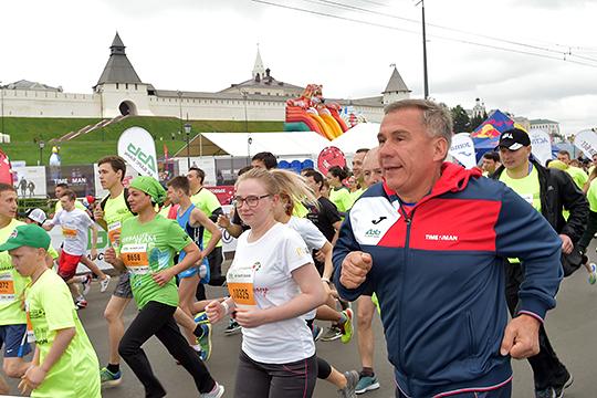 Конечно, своих успехов Янгиров добивается не без поддержки республики. Для того же казанского марафона Татарстан выделяет 38% общего 40-миллионного бюджета