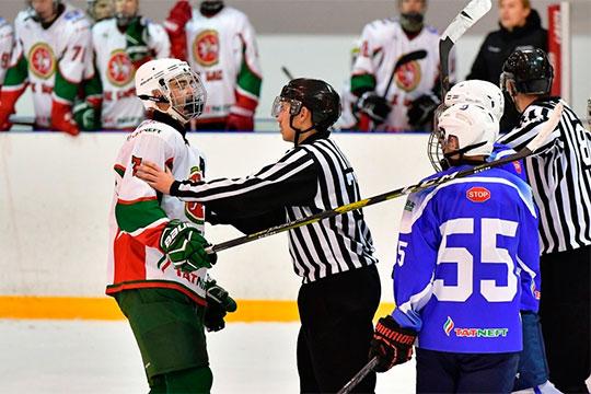 «Такое поведение недопустимо»: команды Академии хоккея «АкБарс» устроили драку