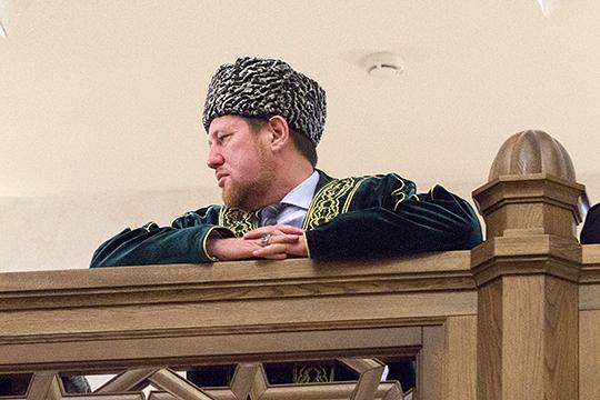 За все «татарское» в Общественной палате отвечает председатель совета Фонда НИБФ «Ярдэм» Илдар Баязитов