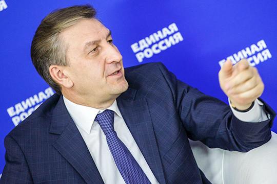 Айрат Фаррахов:«Николаев— экономист, для него, конечно, это будет вопрос новый. Такое бывает. Оночень порядочный человек, нотема национального вопроса будет для него непростой»