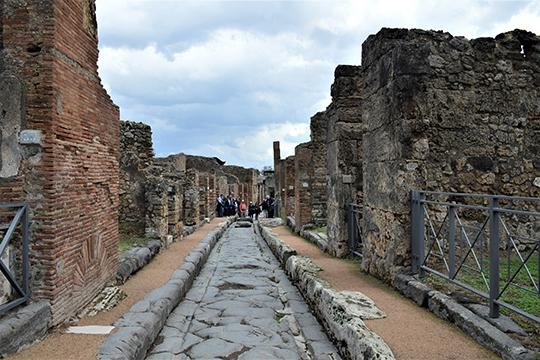 Улица античного города Помпеи