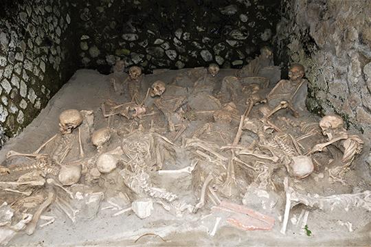 Жертвы вулканического извержения в Геркулануме