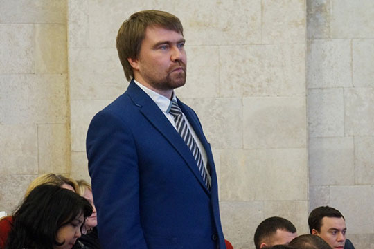 Магдеев поднял с места нового начальника управления здравоохранения Александра Николаева, занявшего этот пост буквально месяц назад, и попросил дать ответ навскидку