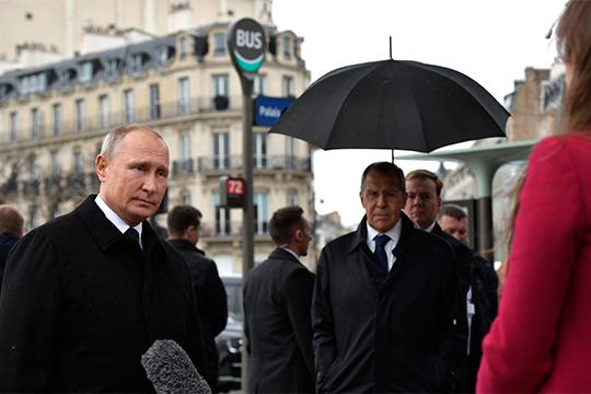 Хазин указал, что задачаВладимира Путинавтом, чтобы вывести Россию вситуацию, где унее будет своя макрозона, вкоторой можно нормально развиваться