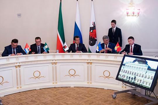 Сегодня в Казанской Ратуше представители районов Казанской агломерации после многолетних обсуждений перешли от слов к делу и создали совет казанской агломерации