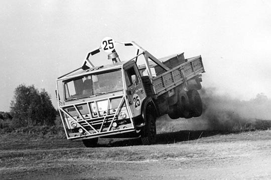 История «КАМАЗ-Мастера» отлица грузовика смотрелась эпично. Разбитая на5 эпизодов, она прошлась повсем основным вехам