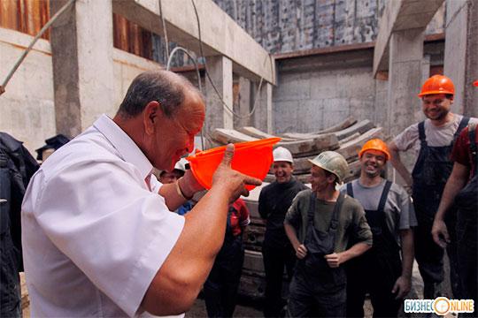 Активно искать заказы запределами Татарстана продолжаетгендиректор АО«Казметрострой»Марат Рахимов, чтобы загрузить все четыре тоннелепроходческих комплекса
