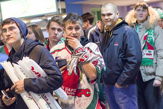В прошлом сезоне форму «Ак Барса» можно было приобрести за 2,5 тыс рублей, сейчас нужно отдать 4,5 тыс рублей