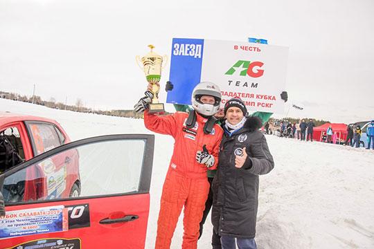 Лучшее время в квалификации, причем в обоих ее заездах, показал казанец Василий Кораблев — представитель набирающей силу команды «Парус»