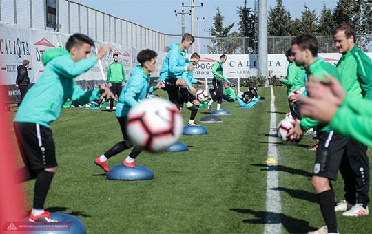 Вчера перед заключительным матчем сборов с «Динамо» казанцы провели одну тактическую тренировку