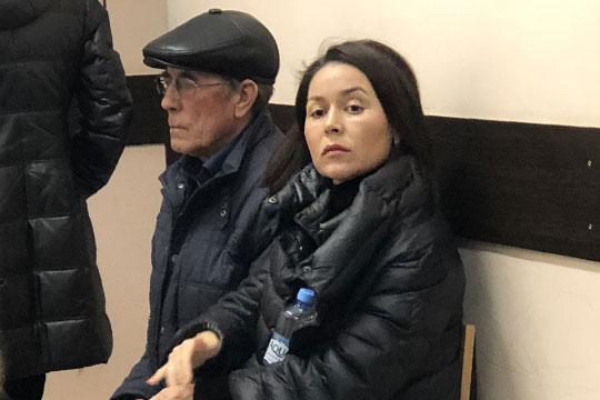 В суд пришла и его (Фанила Шарипова) дочь Аида Шарипова. Она, к слову, находится в декретном отпуске