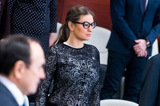 Буквально «разорвала» российский интернет в праздники глава Талия Минуллина, заявившая про решительный отказ от дорогостоящего подарка в виде автомобиля Porsche от своего поклонника